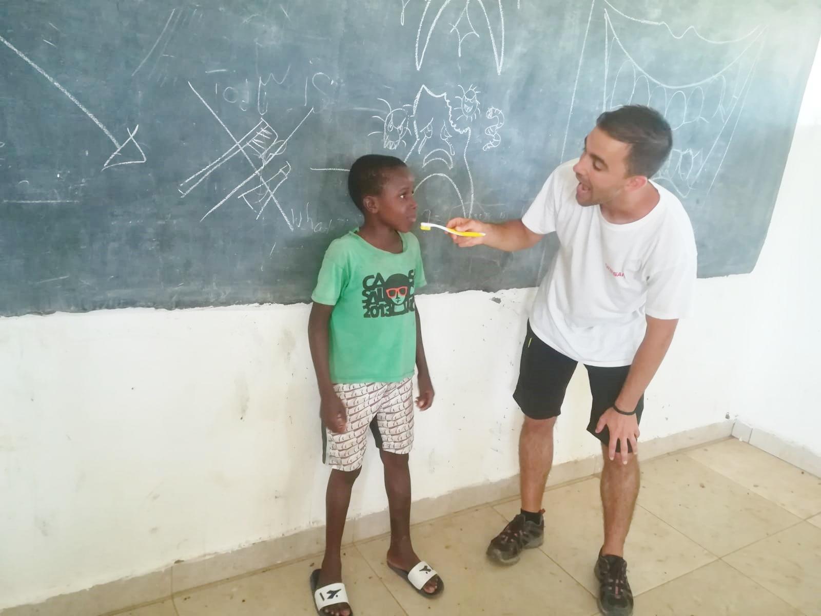 La Odontología Solidaria mueve sonrisas en Gambia